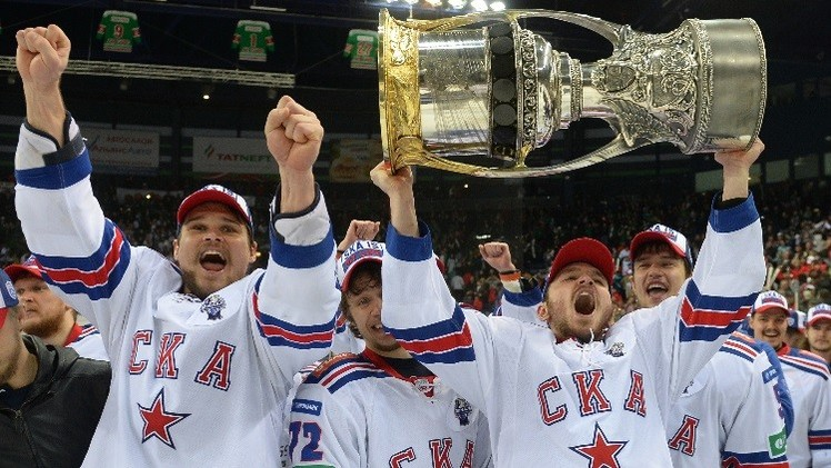 سكا بطرسبورغ يعانق كأس غاغارين لهوكي الجليد .. (فيديو)