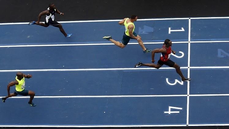 أوسين بولت يفوز بسباق 100 م في البرازيل (فيديو)