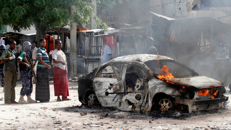 مقتل 10 أشخاص بهجوم انتحاري في مقديشو و