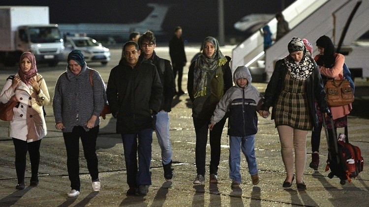 روسيا تجلي أمريكيين من اليمن.. وواشنطن تقف مكتوفة اليدين