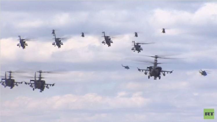 فيديو.. طائرات حربية روسية تكمل تدريبها اليومي للمشاركة في عرض عيد النصر