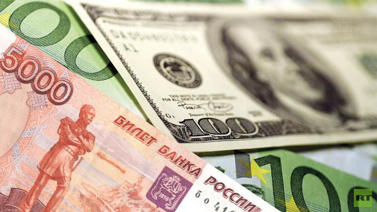 الروبل يواصل النمو قبل حلول موعد جباية الضرائب