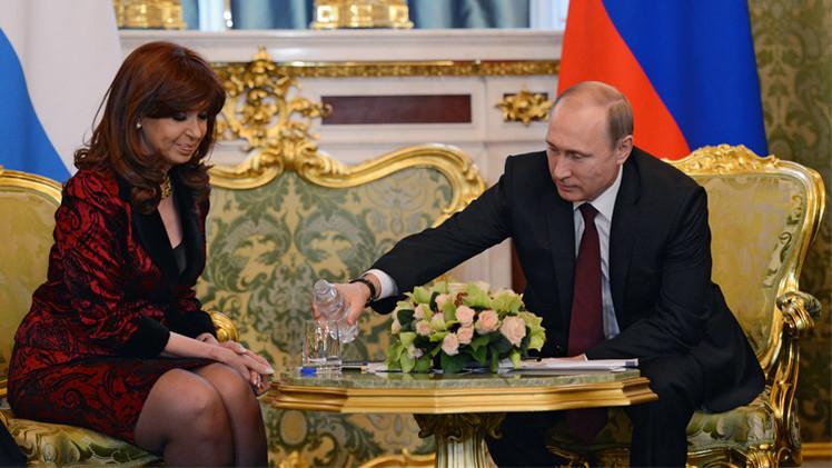 الرئيس بوتين يضرب مثالا في دماثة الأخلاق