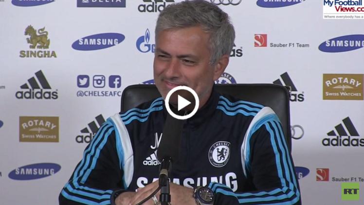 (فيديو) مورينيو يجيد المزاح أيضا لكن باحتراف