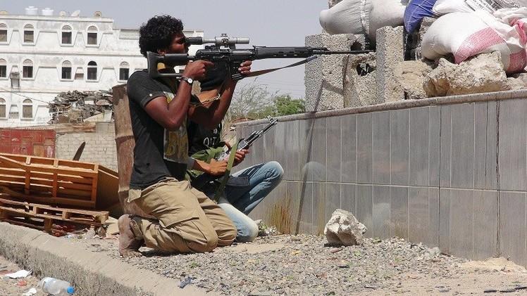 مواجهات بين موالين لهادي والحوثيين في تعز ومقتل 27 في عدن