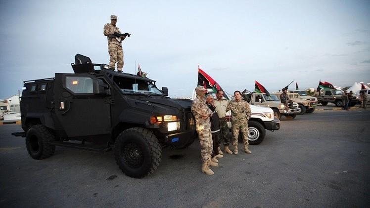 الجيش الليبي يتقدم نحو طرابلس وغارات جوية متبادلة بين المتحاربين