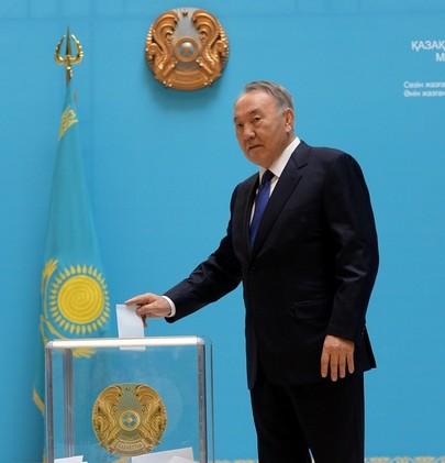 98% من الأصوات لنزاربايف في انتخابات الرئاسة الكازاخستانية (فيديو)