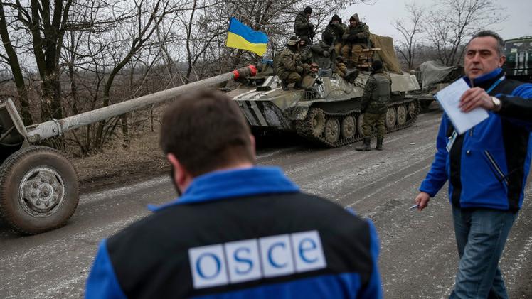 موسكو تطالب كييف بالتوقف عن عرقلة عمل المراقبين الدوليين في شرق أوكرانيا