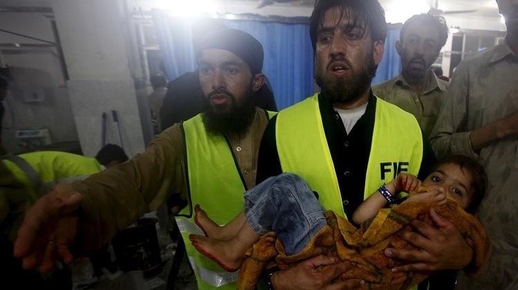 عشرات القتلى جراء الأمطار والسيول في باكستان