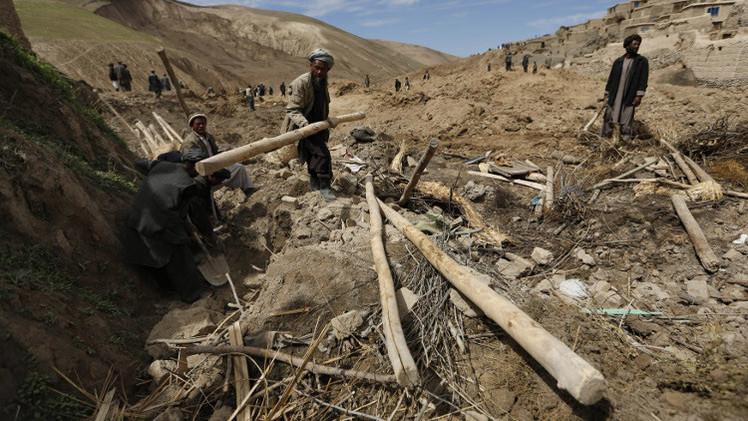 أكثر من 50  قتيلا بانزلاق أرضي في أفغانستان