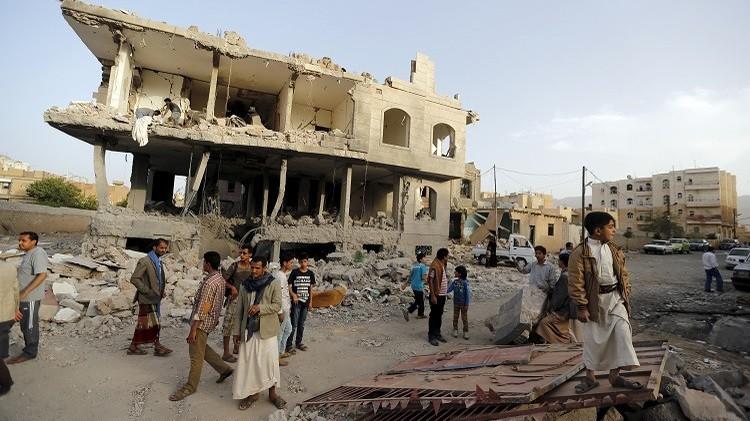 الكارثة اليمنية بين مبادرات التسوية واستمرار العمليات العسكرية