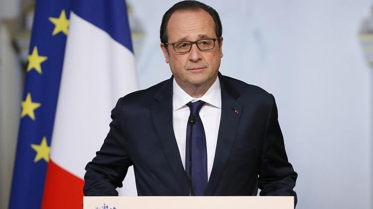 هولاند يقلص عدد العسكريين المشاركين في مكافحة الإرهاب بفرنسا إلى 7 آلاف فرد