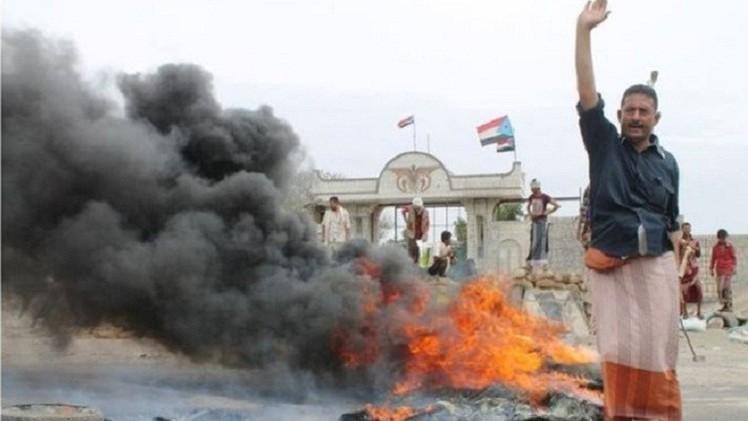طهران تدعو إلى حوار يمني وواشنطن تطلب عونها والسعودية تدرب القبائل
