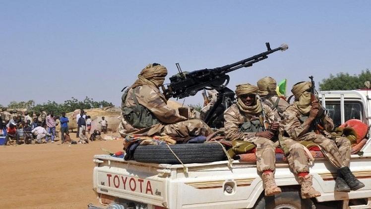 معارك بين متمردي الطوارق وجيش مالي قرب الحدود الموريتانية