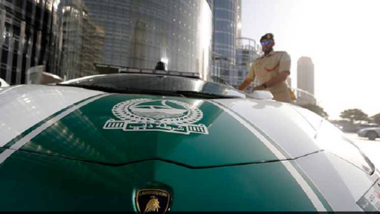 الإمارات تخطط لاستخدام روبوتات شرطة