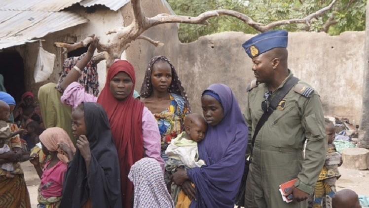 نيجيريا.. الجيش يحرر 234 امرأة وطفلا من
