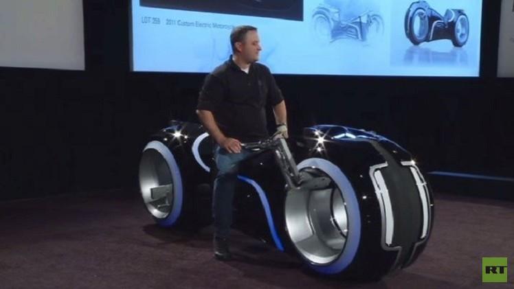دراجة نارية بـ77 ألف دولار (فيديو)
