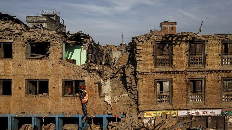 ارتفاع حصيلة زلزال النيبال إلى 7.5 آلاف قتيل