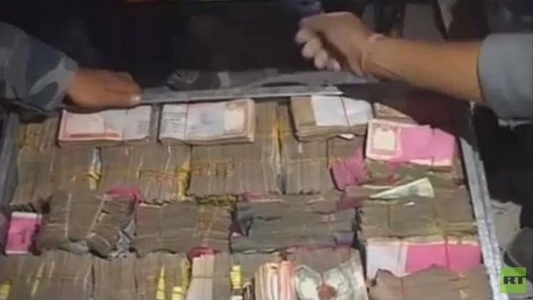 الشرطة النيبالية تعثر على قرابة 25 مليون روبية بين أنقاض بنك كاتماندو