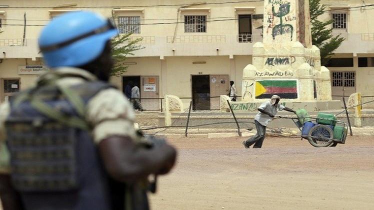 مصادر: فيديو يظهر إطلاق جندي سلام رواندي النار على متظاهر في مالي