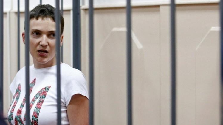 تمديد حبس الطيارة الأوكرانية المتهمة بالتواطؤ في جريمة قتل صحفيين روسيين