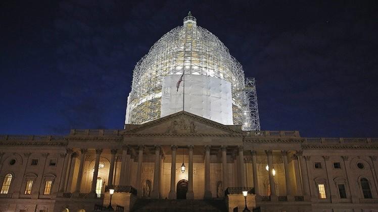 مجلس الشيوخ يدعم مشروع قرار يلزم الرئيس الأمريكي بإبلاغ الكونغرس بأي اتفاق مع إيران
