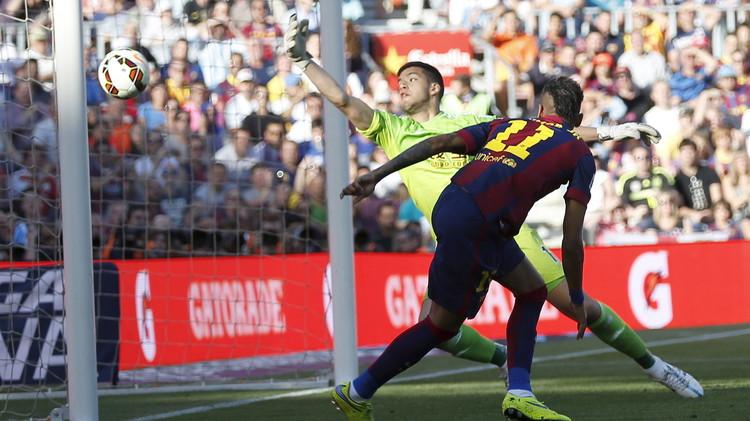 برشلونة يكرم ضيفه ريال سوسييداد بثنائية