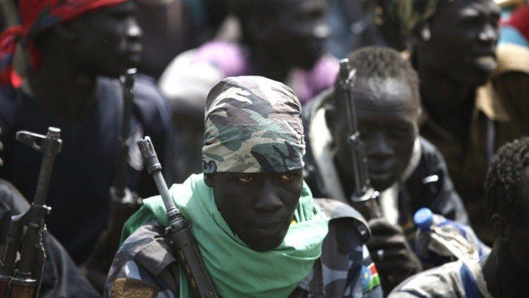 المنظمات الإنسانية تنسحب من جنوب السودان وفرار عشرات الآلاف بسبب المعارك
