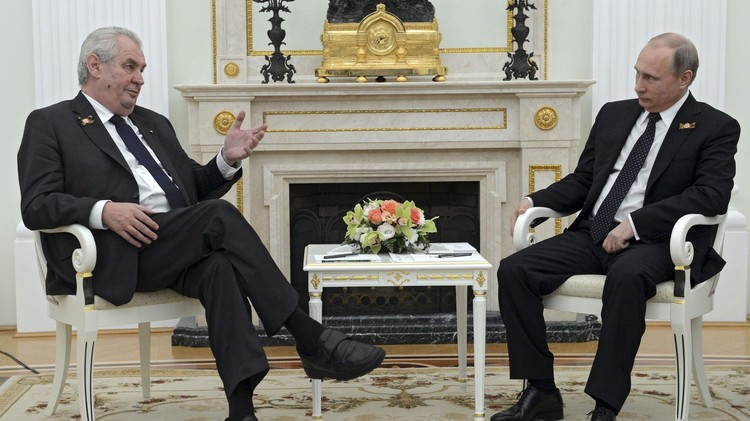 الرئيس التشيكي واثق من رفع العقوبات الغربية عن روسيا