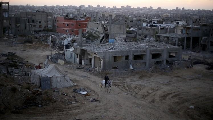 وفد برلماني ألماني يتفقد آثار الحرب الإسرائيلية على غزة