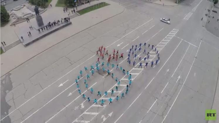 طائرة بلا طيار تصور فعالية شعبية في لوغانسك..(فيديو)