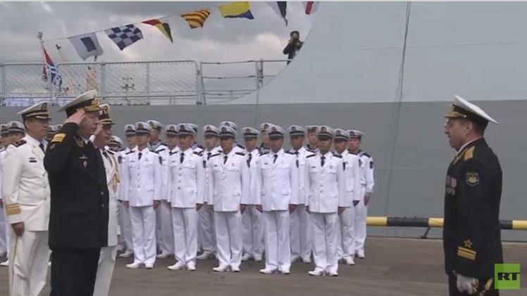 مجموعة سفن حربية روسية وصينية تعبر إلى البحر المتوسط الخميس