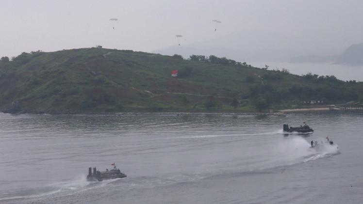 كوريا الشمالية تجري مناورات قرب الحدود الكورية الجنوبية