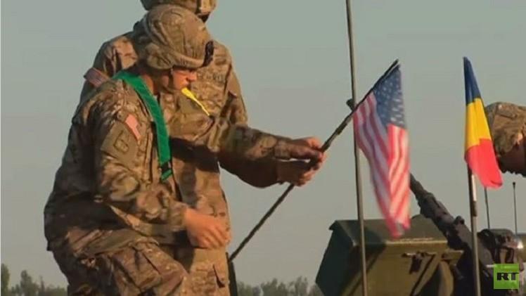 قافلة عسكرية أمريكية تعبر أراضي رومانيا قبيل انطلاق تدريبات عسكرية مشتركة (فيديو)