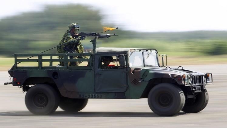 تونس  تتسلم 52 سيارة عسكرية  وزورقا للبحرية من الولايات المتحدة