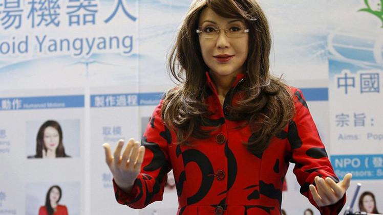 روبوت صيني يكاد يطابق الانسان (الفيديو)