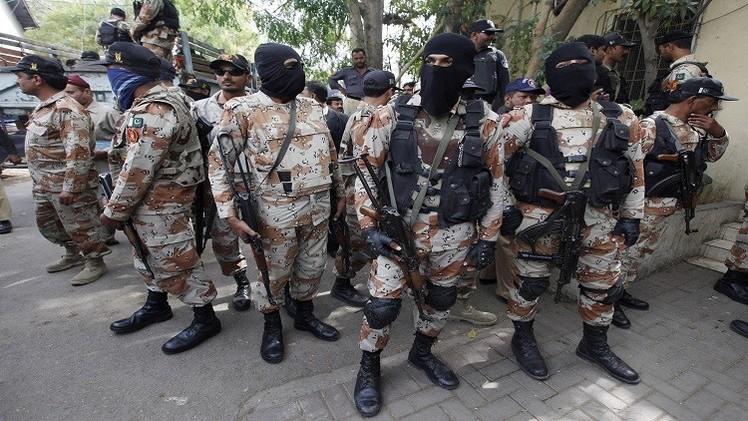 القوات الباكستانية تشن هجوما جويا وبريا واسعا على