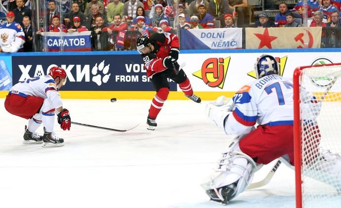 كندا تنتزع لقب بطلة العالم للهوكي من روسيا