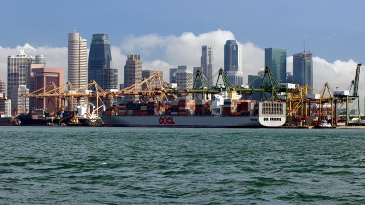 سنغافورة تطالب إيران بالتحقيق في اعتراض إحدى سفنها