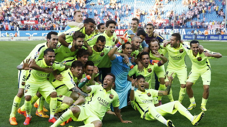 فيديو.. احتفالات لاعبي برشلونة وجماهيره بالليغا