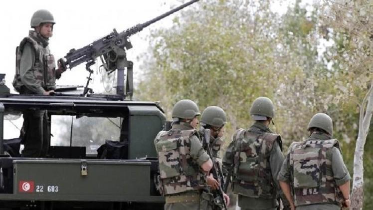 محكمة تونسية ترجئ جلسة محاكمة 77 شخصا بتهمة قتل جنود