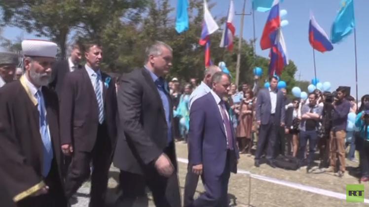 مراسم إحياء الذكرى الـ71 لترحيل تتار القرم تجري في شبه الجزيرة (فيديو)