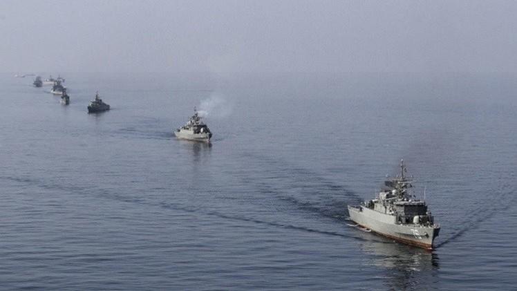 البنتاغون: سفينتان حربيتان إيرانيتان تنضمان لسفينة شحن متجهة لليمن