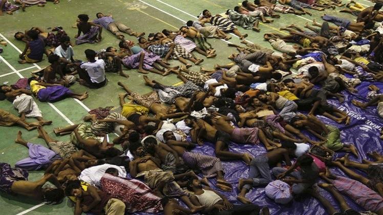 إنقاذ 100 مهاجر قرب سواحل إندونيسيا وآلاف تائهون في مياه بورما