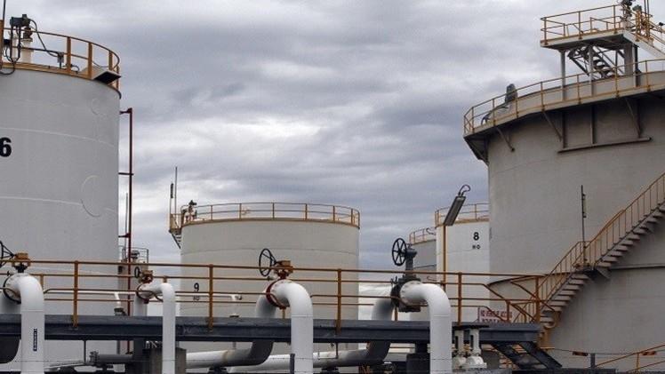 النفط يواصل تعافيه بعد صدور بيانات المخزون الأمريكي