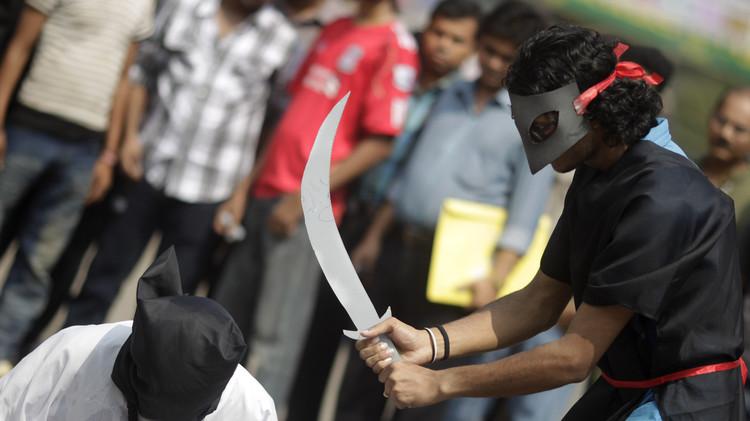 السعودية تنفي حاجتها لـ 8 سيافين لتنفيذ أحكام الإعدام