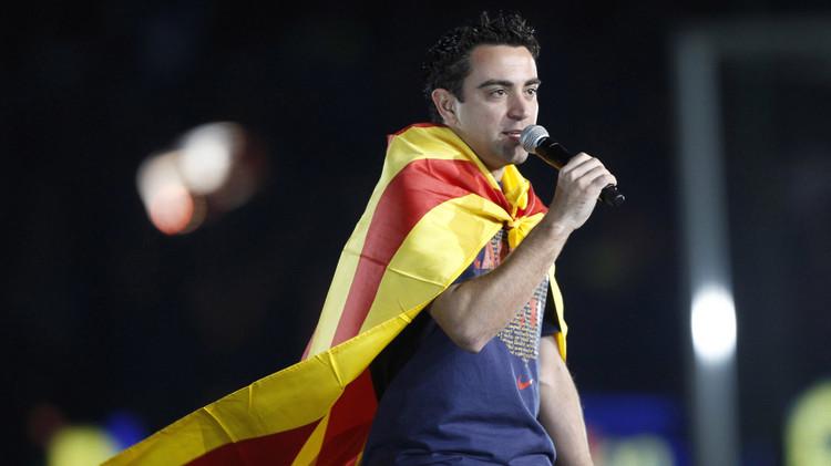 برشلونة يكرّم تشافي بدرع الليغا