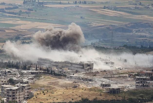 الأسد يهنئ جنوده المنسحبين من مستشفى جسر الشغور على سلامتهم