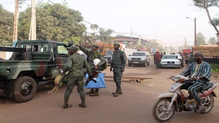 متمردو الطوارق يحتجزون  19 جنديا ماليا