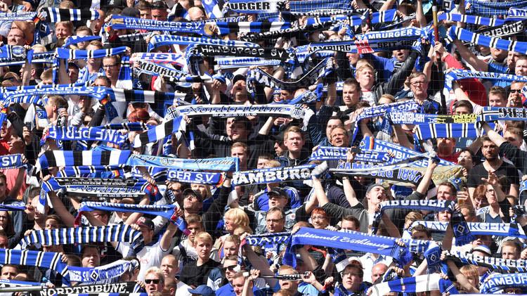 هامبورغ يتجنب الهبوط المباشر في الدوري الألماني